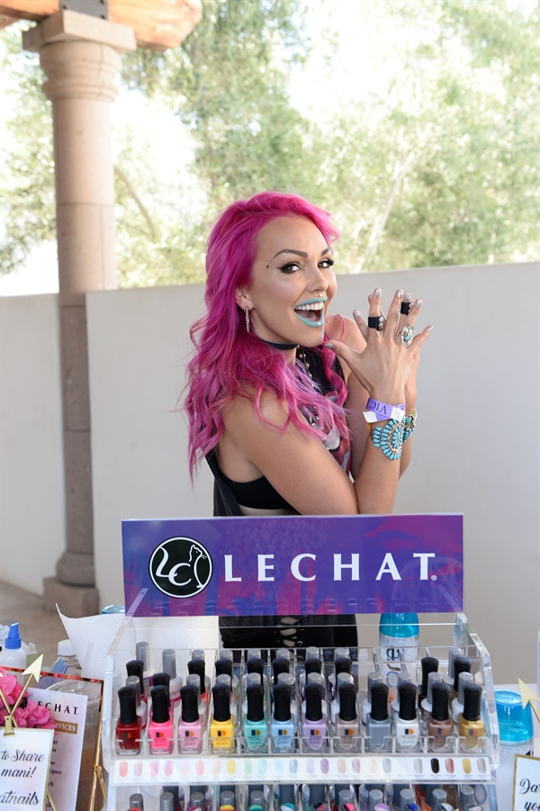 <p>Kandee Johnson is excited about LeChat.</p>