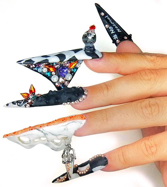 18 trendy nail art looks to try in 2018 nails magazine 1 ashley thornton sculptednailsbyash prinsesfo Image collections