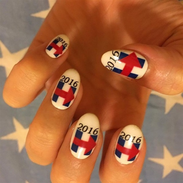 <p>Perry showed her spport for Hillary Clinton via custom nail art wraps by Minx.</p>