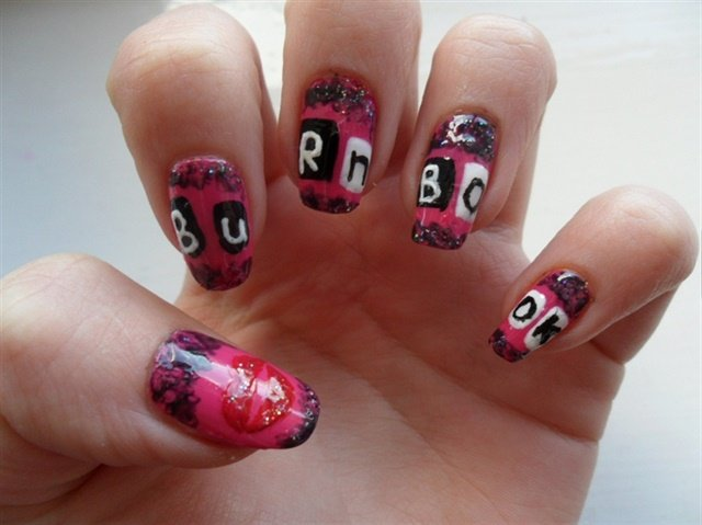 """<p><a href=""""http://nailartgallery.nailsmag.com/amberyoung"""">Via Amber Young</a></p>"""