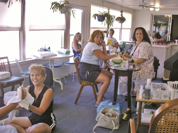 <p>We enjoyed our two days in this makeshift salon on my mother's back porch.</p>