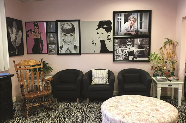 <p>Harmony Nail Studio was designed with Audrey Hepburn and Marilyn Monroe as inspiration.</p>