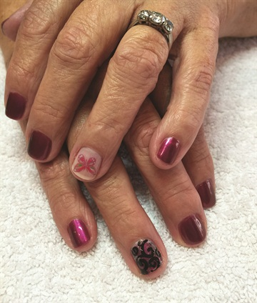 Phoenix and Oung collaborated on this natural nail manicure with nail art for a Wet Paint Spa regular.