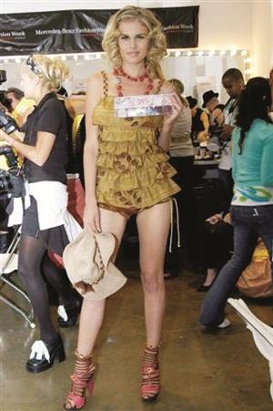 <p>China Glaze on view at LA Fashion Week</p>