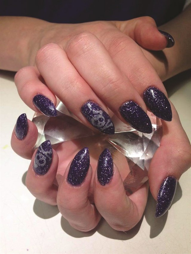 Acrylic Dip Systems Make a Comeback - Technique - NAILS Magazine