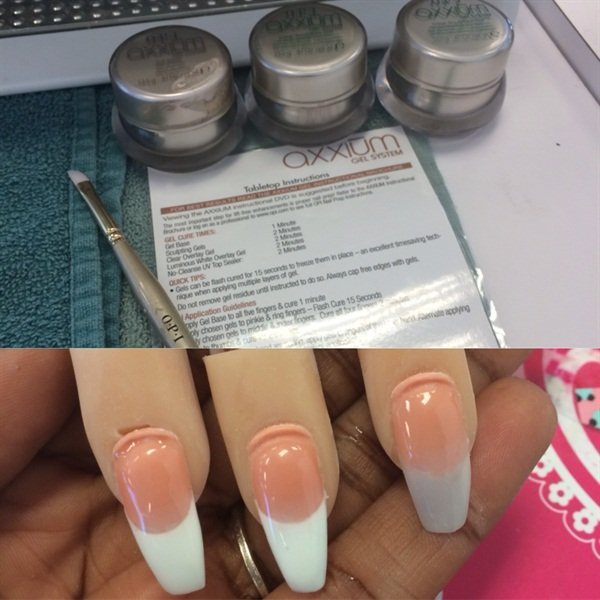 <p>UV hard gel on the nail trainer.</p>