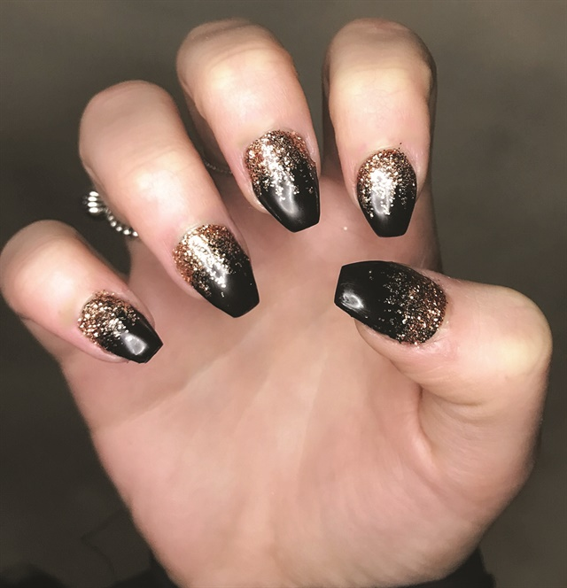 <p>Nails by Natalia Pacholczyk</p>