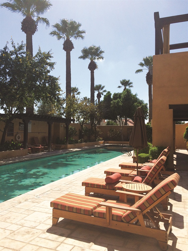 <p>Spa amenities include dining, private pool, Jacuzzi, and sauna.</p>