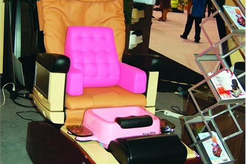 Trend: Kidu0027s Pedi Chairs