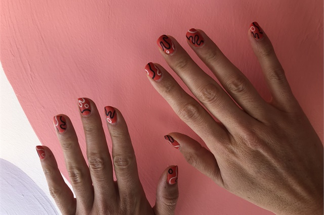Shanee Pink's nails by @sohotrightnail