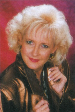 <p>Paula Gilmore is a salon owner and nail industry consultant.</p>