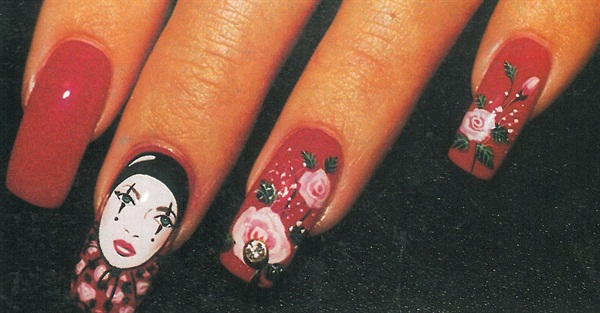 <p>Eimsuk Arminio's nail art has captured media attention, including that of television shows 2 on the Town and Ripley's Believe It Or Not.</p>