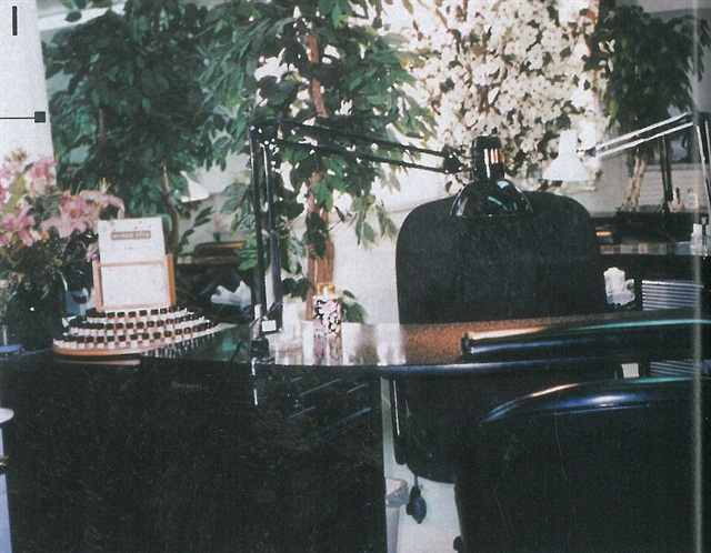 """<p>""""Green"""" is for the freshness and """"Door"""" is for the wide-open range of services at Green Door Day Spa, where customer service is soemthign that appeals to all of its clients' senses.</p>"""