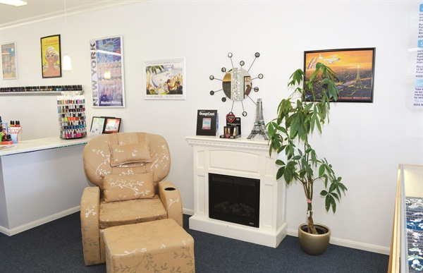<p>A state-of-the art reflexology chair is used for the popular Cloud 9 Treatment. </p>
