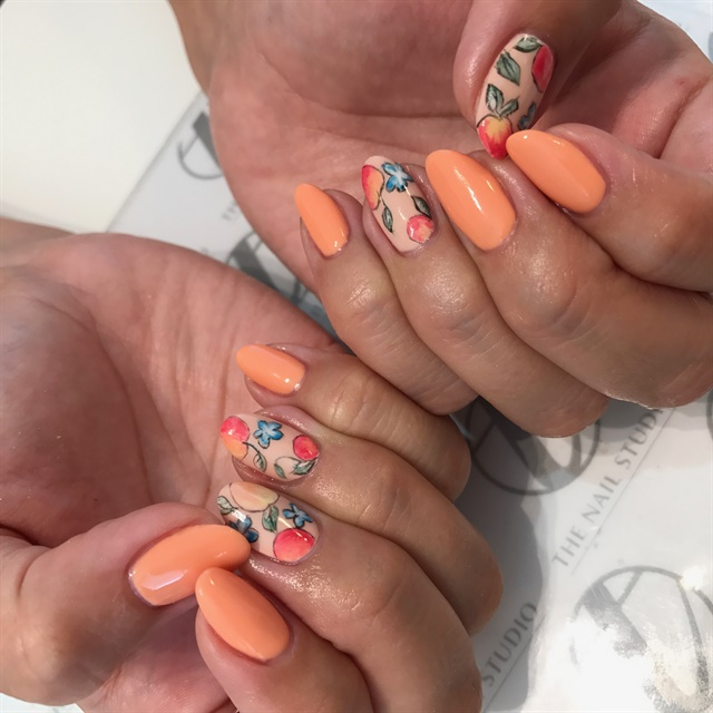 Teena Olsen doesn't offer pedicures, but boy does she do nail art