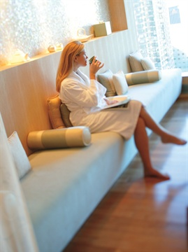 <p>Tea and other service appropriate drinks are served in the tea lounge at The Spa at Mandarin Oriental.</p>