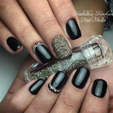 Image via @kknailstudio