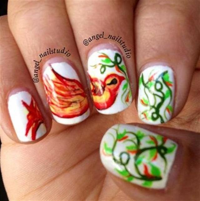 """<p>Via <a href=""""http://nailartgallery.nailsmag.com/veeral/photo/349610/creeper-bird-nails"""">Nail Art Gallery</a></p>"""