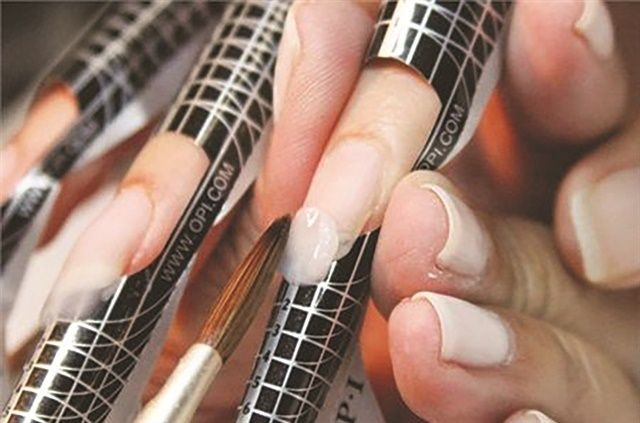 Artificial nails do not need to be removed periodically for the nails to breathe or remain healthy.
