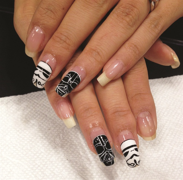 <p>Raquel (@raqstarnails) did some cool Star Wars nails.</p>