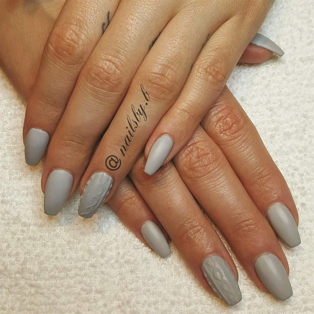 <p>TAOND student Brittany Cahill created these monochrome textured nails.</p>