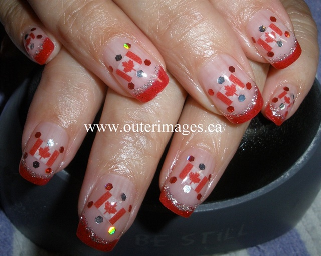 "<p>Via <a href=""http://nailartgallery.nailsmag.com/outerimages/photo/262747/oh-canada"">Nail Art Gallery</a></p>"