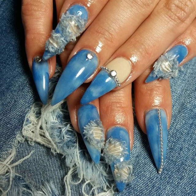 """<p>@<a class=""""ehUsername notranslate"""" href=""""https://www.instagram.com/nail_expressions1/"""" target=""""_blank"""" data-has-android-intent=""""1"""" data-ios-link=""""user?username=nail_expressions1"""" data-log-event=""""profilevisit"""">nail_expressions1</a></p>"""