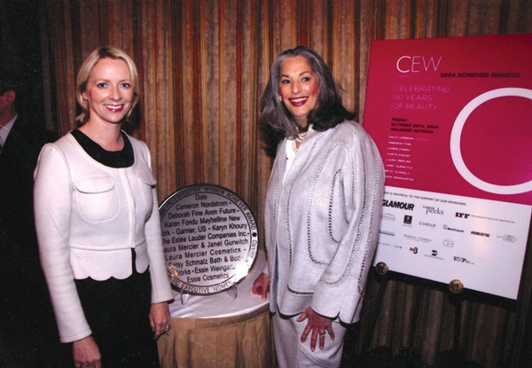 <p>Weingarten (right) poses with Linda Wells, editor in chief of Allure, at the CEW Achiever Awards.</p>