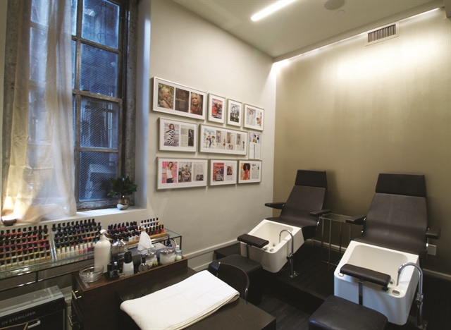 Nails on fifth avenue eva scrivo 39 s nail room style for 5th avenue nail salon