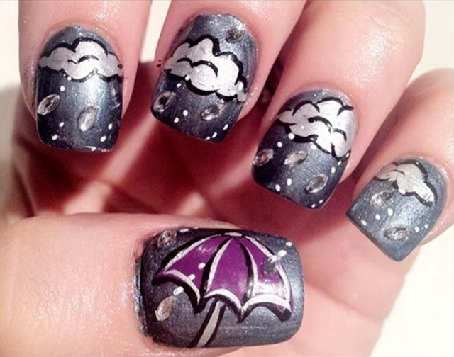 "<p>Via <a href=""http://favnails.com/clouds-umbrella-gray-rainy-days-nails/"">@FavNails</a></p>"