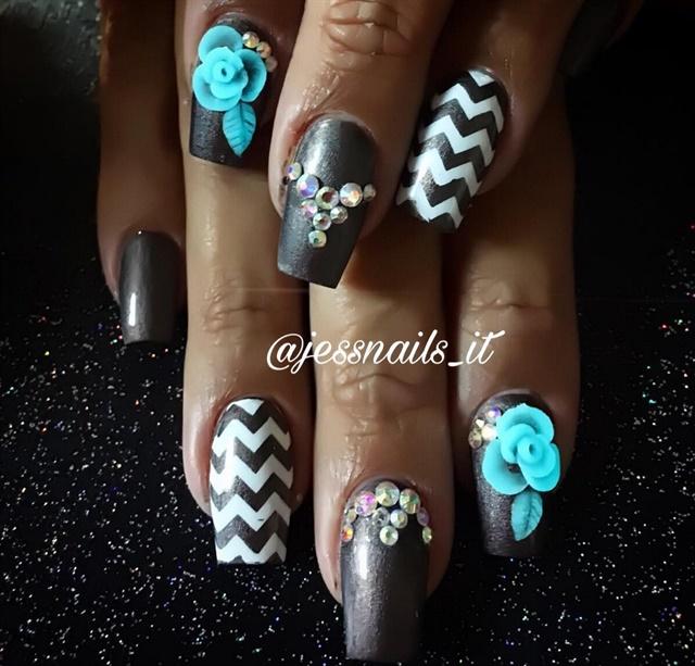 "<p>Nails by <a href=""https://www.instagram.com/jessnails_it"">@jessnails_it</a></p>"