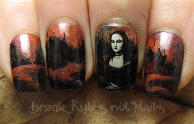 "<p>Via <a href=""http://nailartgallery.nailsmag.com/brkrulesntnails/photo/353162/goth-mona-lisa"">Nail Art Gallery</a></p>"