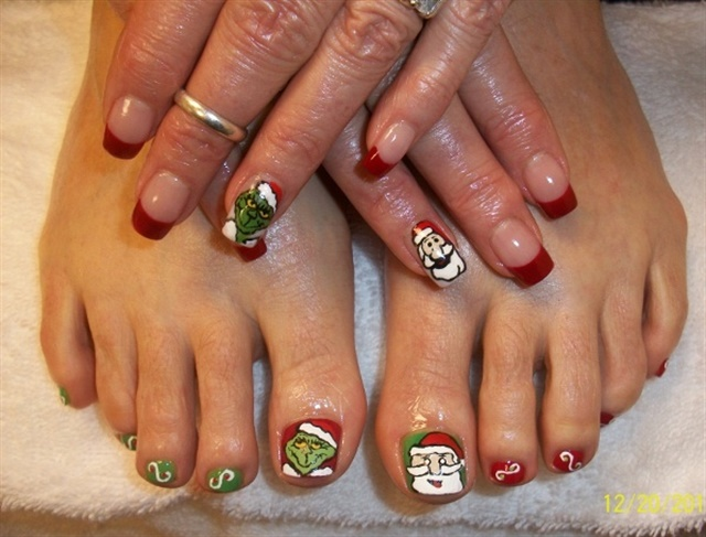 Grinch Nail Art That Steals Our Hearts - - NAILS Magazine