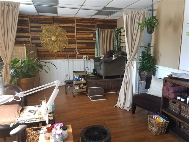 KaSundra Anderson's salon, Nail Spa Haven