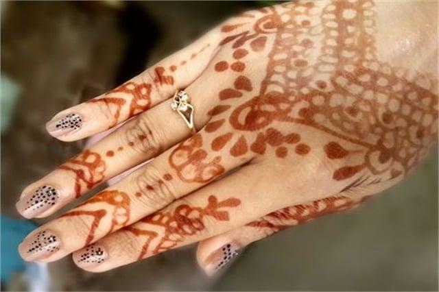 Henna Mehndi Nail Art : Henna inspired nail art nails magazine