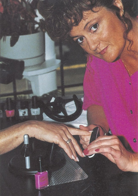 <p>Sore, sometimes painful hands were the reason Cherie Nadon came up with her EaselTEch, a non-slip wrist and hand support for her clients.