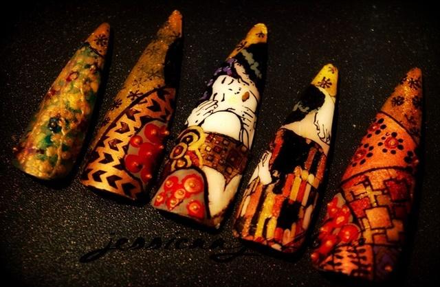 "<p>Via<a href=""http://nailartgallery.nailsmag.com/jessicaayre/photo/446636/gustav-klimt-tribute"">Nail Art Gallery</a></p>"