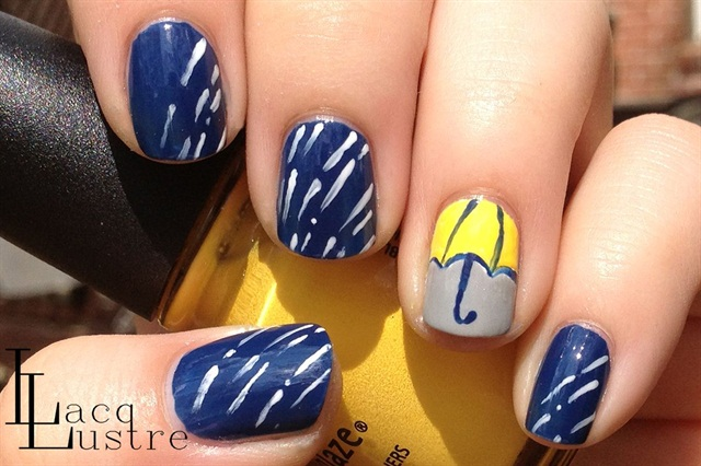 "<p>Via <a href=""http://www.lacqlustre.com/2013/04/umbrella-and-rain-nail-art.html"">lacqlustre.com </a></p>"