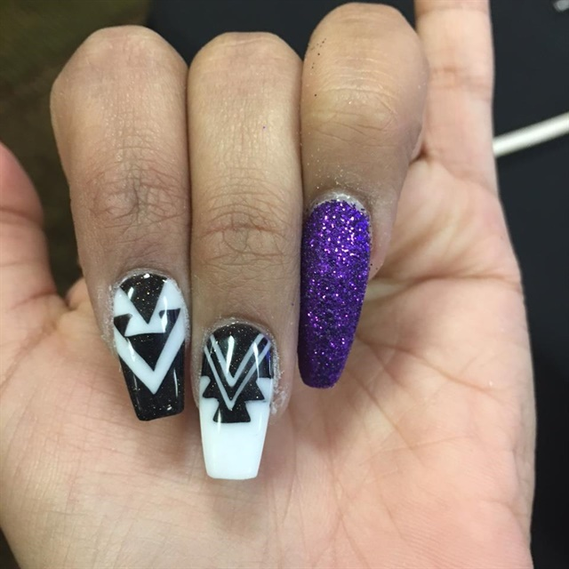 These demo nails were done by Tony Ly.