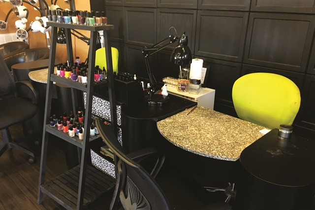 The salon lives up to its organic namesake by offering lines such as Zoya and Bio Seaweed Gel.