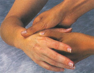 <p>Deep tissue massage can be used to effectively treat a repetitive strain injury such as carpal tunnel syndrome. </p>