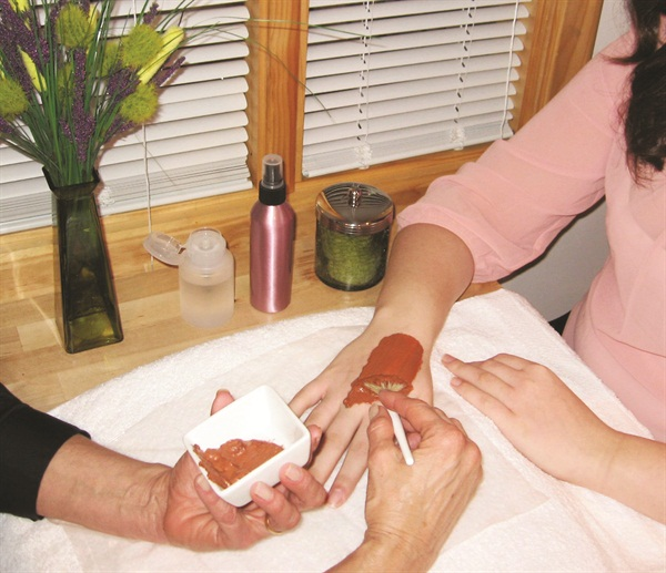 Chardonnay Silk Spa Manicure photo courtesy of LeVonne de Spa, Waterford, Mich.