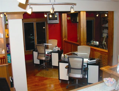 Gel Essentialz is housed inside of the Michael K. Galvin (MKG) Salon in Cranston, R.I., and has six manicuring stations.