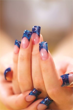 "<p class=""captionsBASICTEXT"">Nails by Susan Moskal</p>"