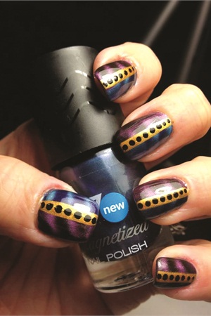 Watch Chheo-Shen's video of this easy magnetic polish design on NAILStv: www.nailsmag.com/video/ShenMagnet.