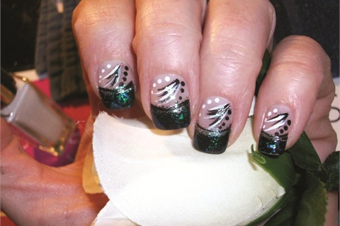 <p>Dodd was inspired to create these nails after watching one of Chheo-Shen's videos.</p>