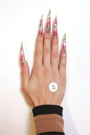 <p>Russia's Ekaterina Kuznetsova created these stilettos.</p>