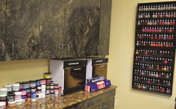 Oxygenix keeps tidy and organized at the UV sterilization station and acrylic and NexGen bar.