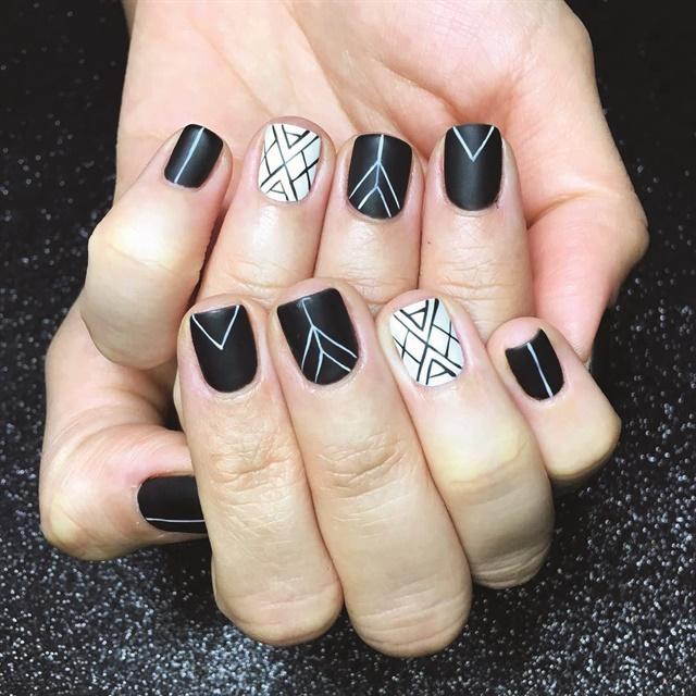 <p>Nails by Sarah Waite</p>