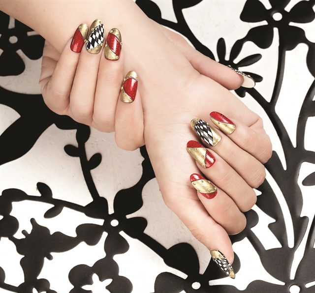 <p>Nails by Tracey Lee</p>